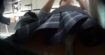 【Gcolleレビュー】kakuregaさん パンチラ小人目線☆☆(pa-to15)[電車編]